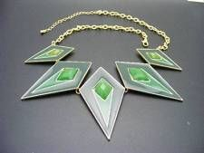 $22 Nordstrom Diamond Shaped Green Enamel Faceted Stone Necklace Goldtone AS-IS