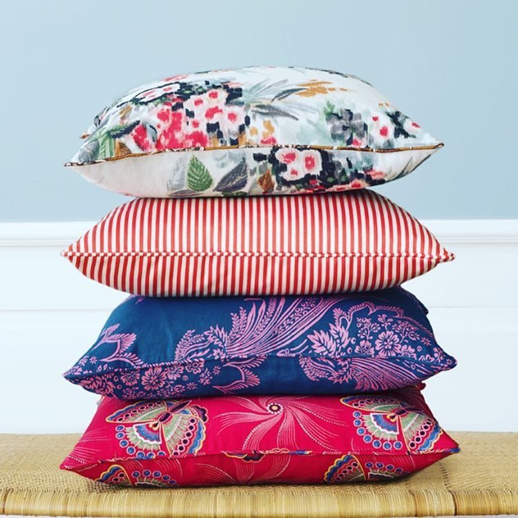 "393 Synes godt om, 7 kommentarer – Tina Seidenfaden Busck (@theapartmentdk) på Instagram: ""We just received new bespoke pillows in various textiles #bespokepillows #welovetextiles…"""