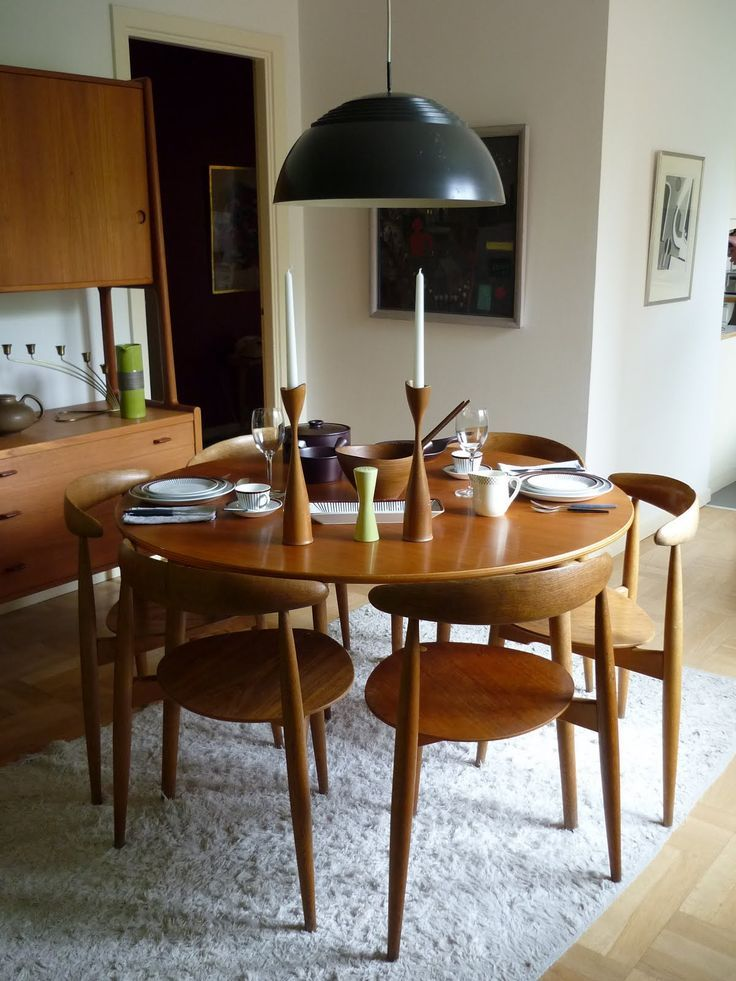 Small Modern Dining Room Decorating Ideas: Small Round Midcentury Modern Dining Room Table Kitchen