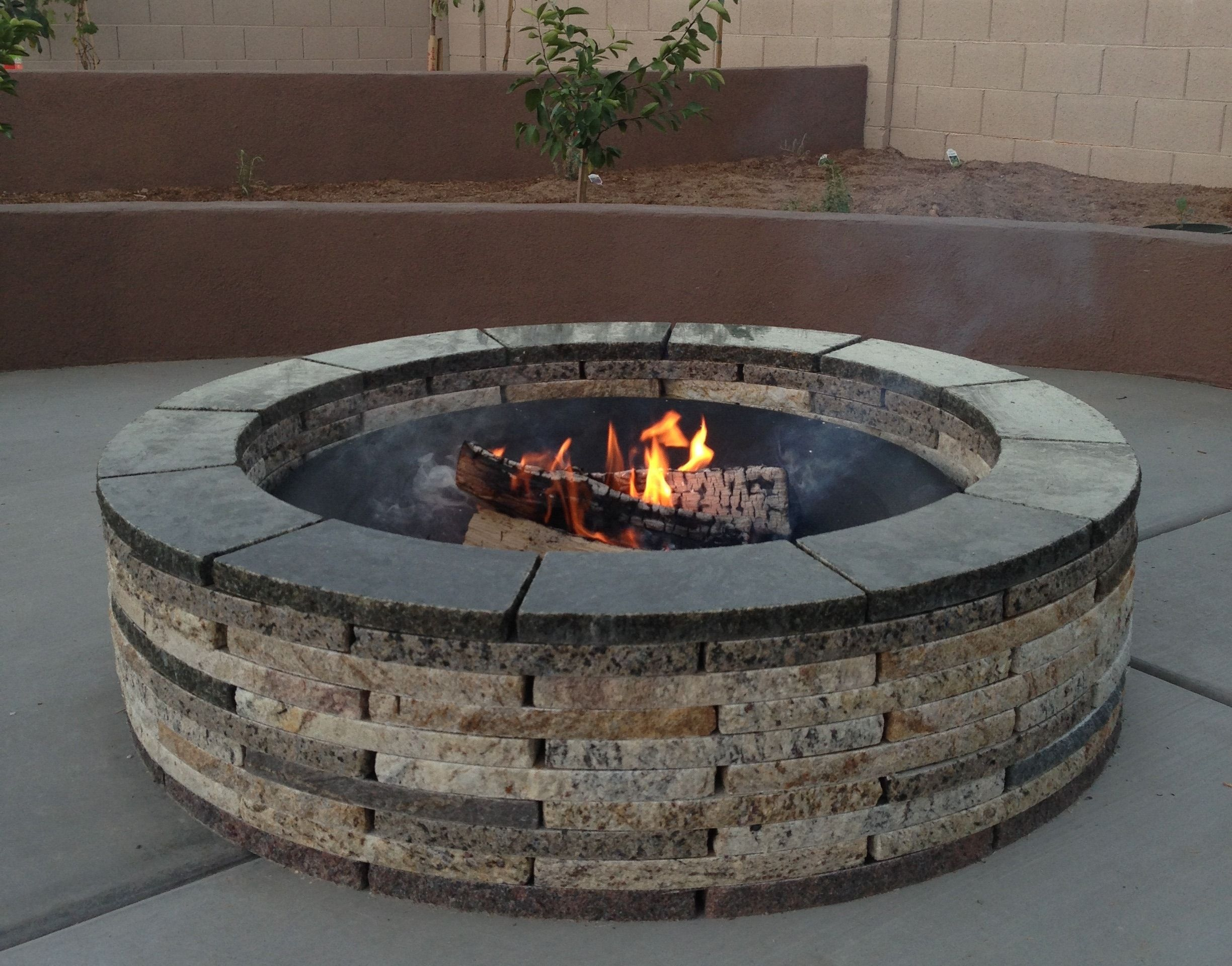 48 Inch Granite Fire Pit By Www Foreverstone Biz It S An Easy Diy Afternoon Project All Materials Are 100 R Feuerring Feuerstelle Garten Beton Feuerstellen