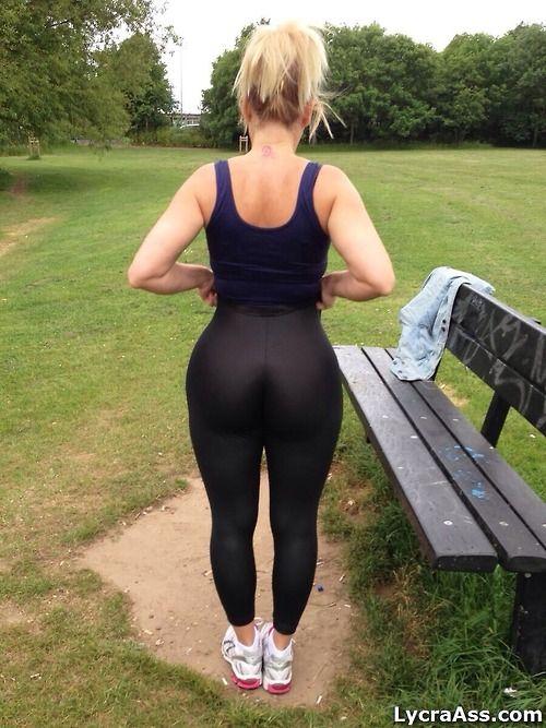 Lycra leggings ass