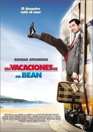 Cansado del triste tiempo londinense, Mr. Bean hace la maleta, coge la camara y se va a Cannes en busca de sol y arena. Ah, las vacaciones... Pero el viaje no sale como esta planeado ya que el patoso Mr. Bean sufre una serie de contratiempos y coincidencias mas o menos afortunadas lo bastante estramboticas como para ser el tema de una autentica pelicula vanguardista.