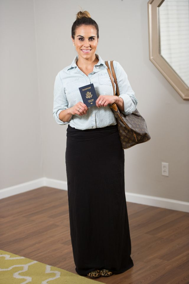 41c712b2d0 6 Ways to Wear a Maxi Skirt - Traveling   My Style   Dress skirt ...