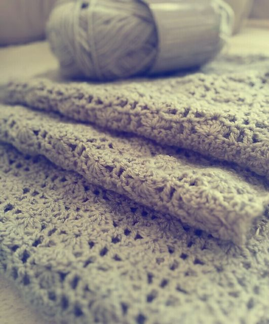 Ravelry: AlitaD's Grey Claudia Scarf with Loops & Threads
