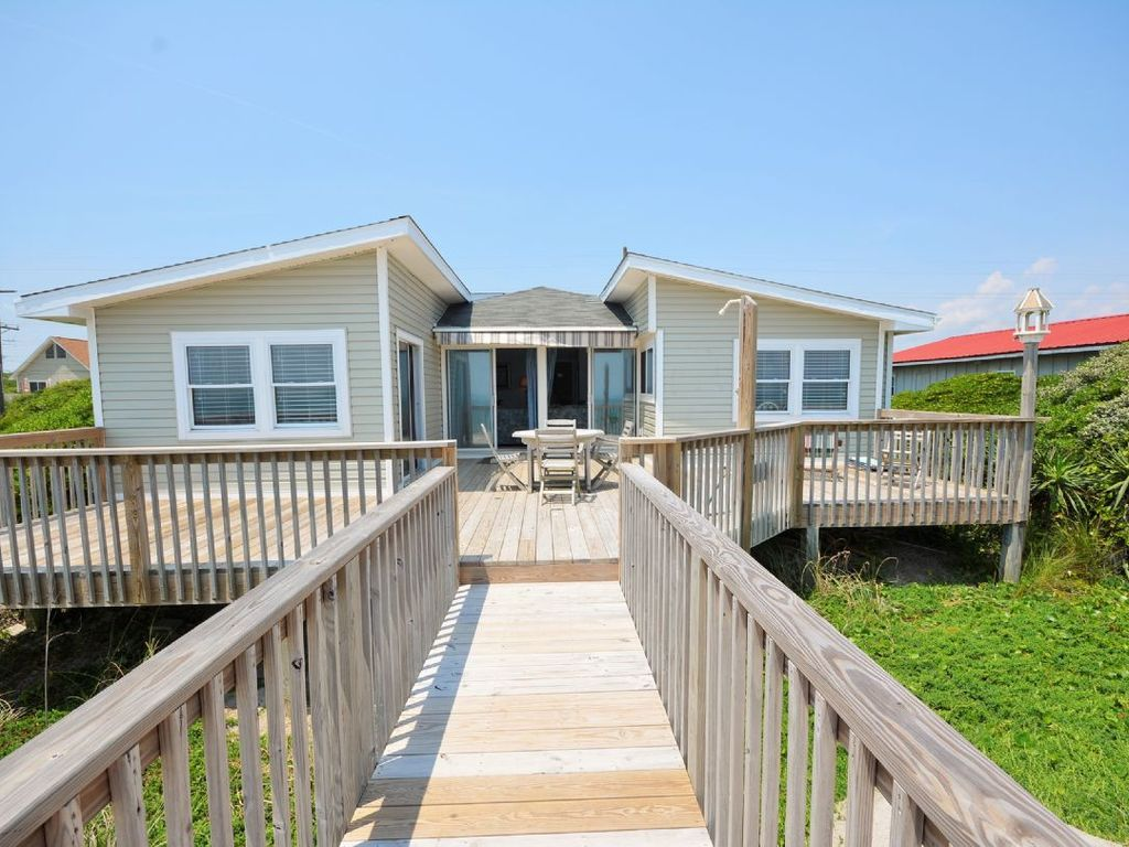 Sunny dayz pet friendly oceanfront home on topsail
