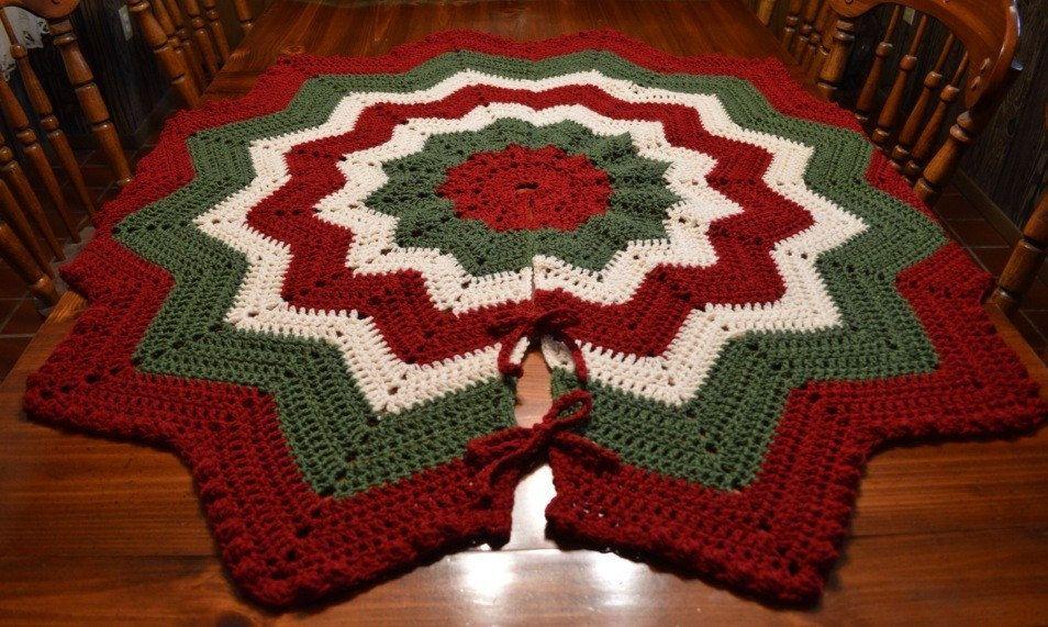 Large Victorian Crochet Christmas Tree Skirt with Bobble Edge ...