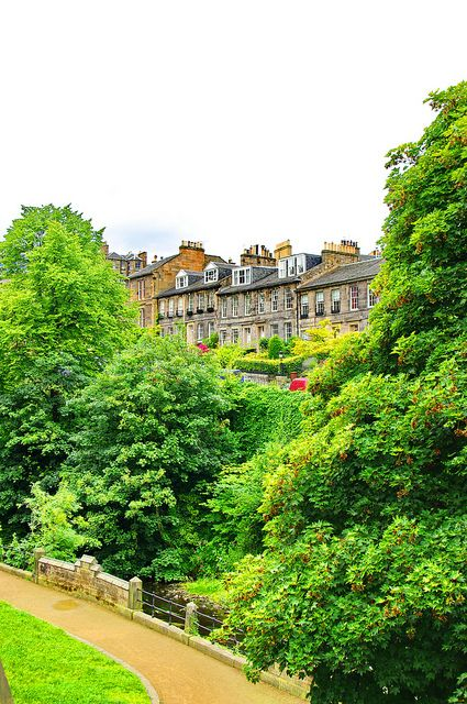 Dean Terrace Along The River Leith - Edinburgh, Scotland