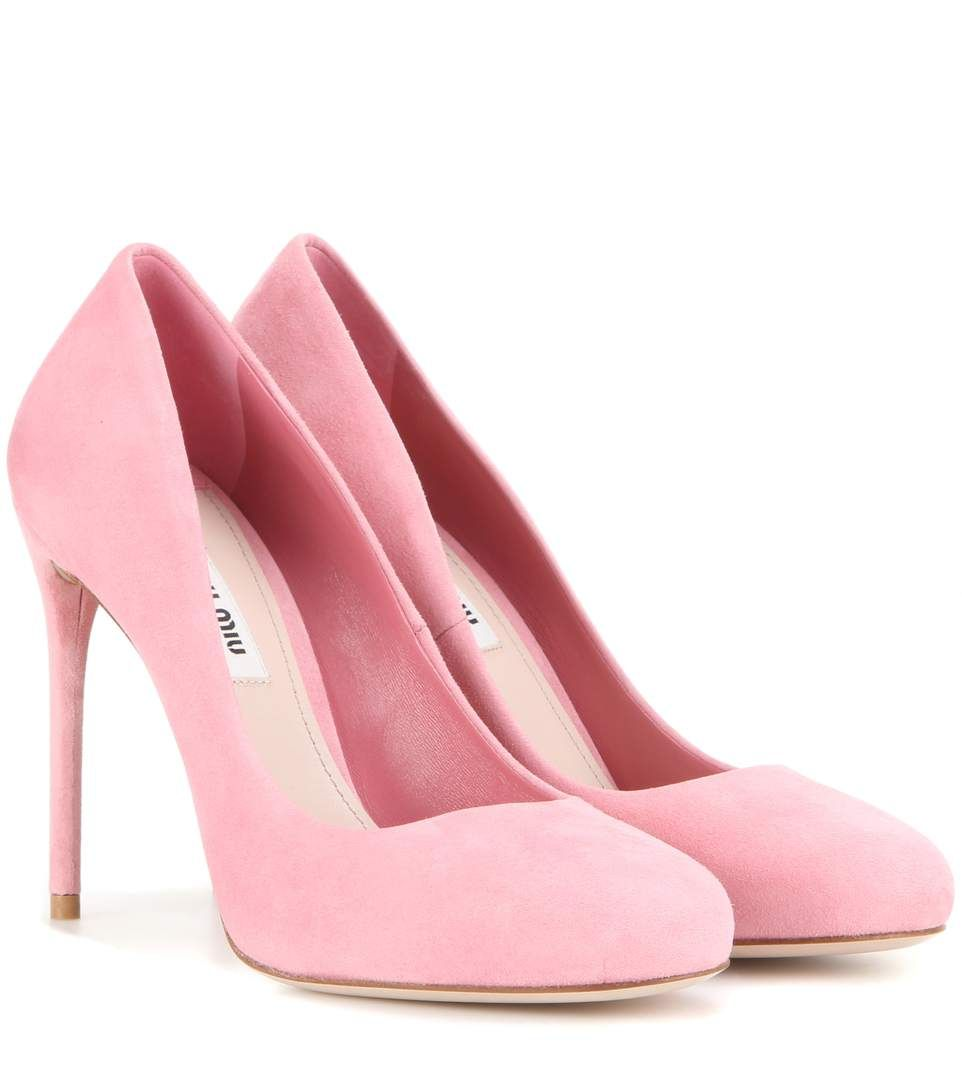 Light pink suede pumps   Pink suede