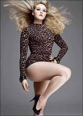 75947ba134ac Curvy Pose Mannequin, Mannequin Ronde, V Magazine, Magazine Editorial,  Model Magazine,