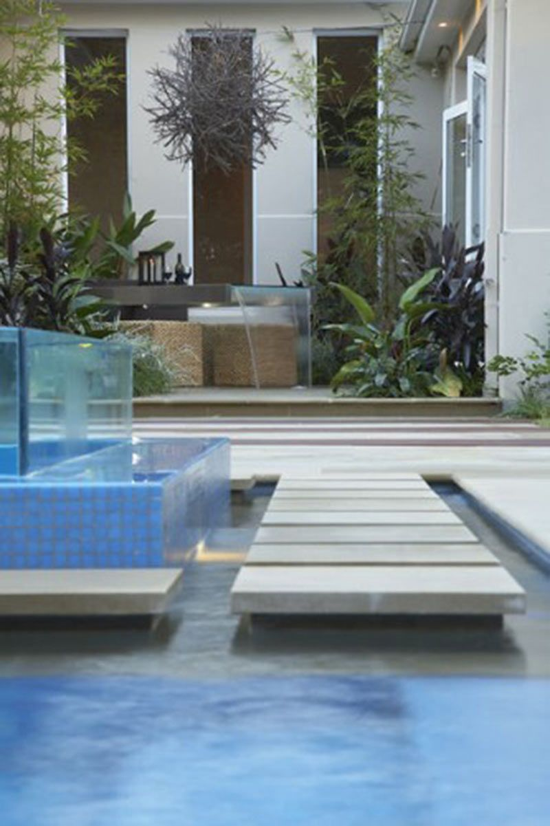 Negative edge pool with overflow tank | Pool l design | Pinterest