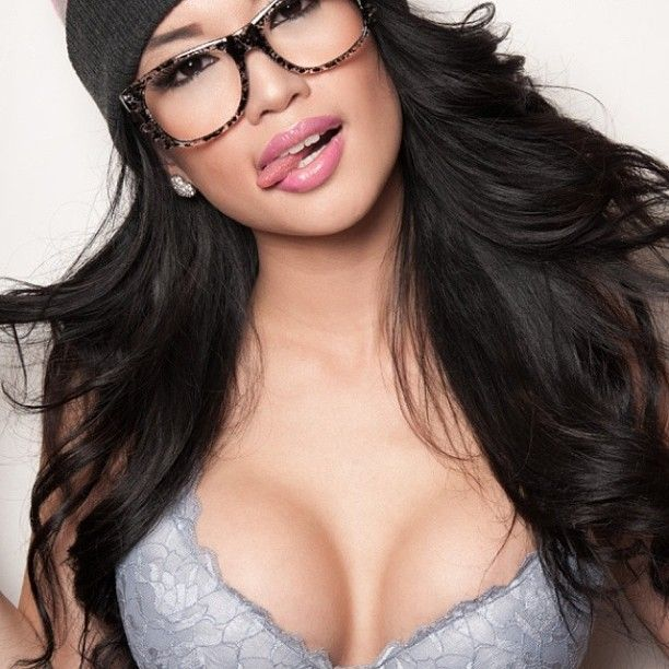 drawn-penis-sexy-indian-girls-wearing-glasses-hot