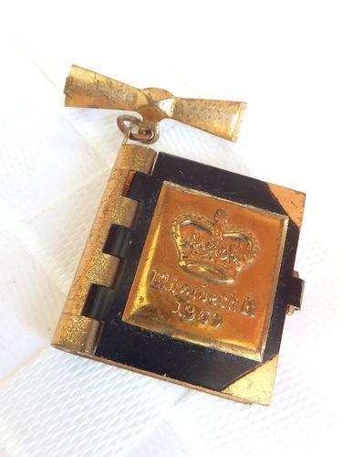 Queen Elizabeth Miniature Postcard Pendant