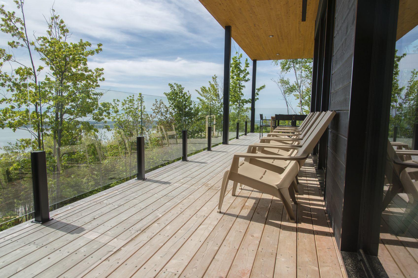 Pin på railing glass modern house