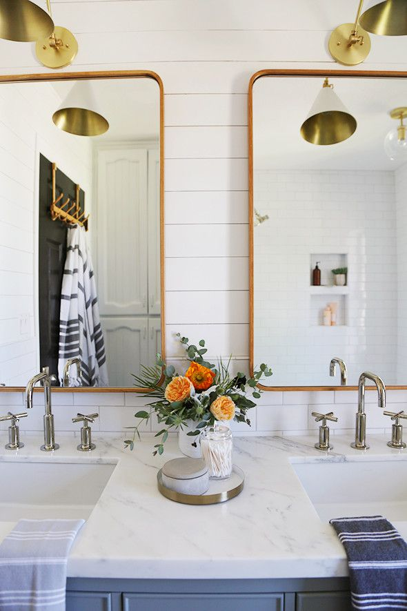 A Bathroom Makeover That S Chic Inexpensive Remodel Renos