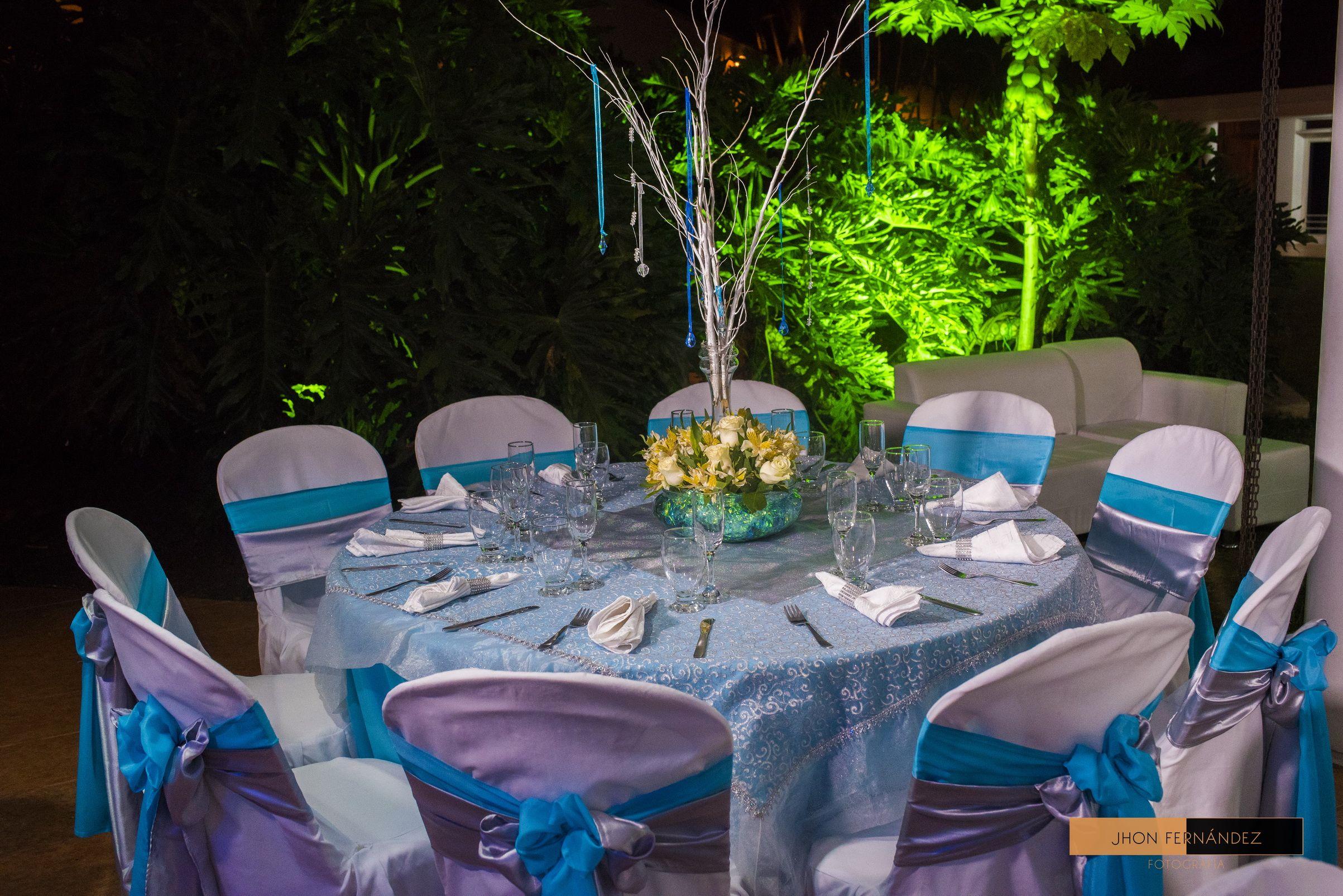 Una Fiesta Deslumbrante Decorada Con Los Más Hermosos Cristales Para Ti Más Información Sobre Eventos Mat Decoracion Salones Casas Planeacion De Eventos