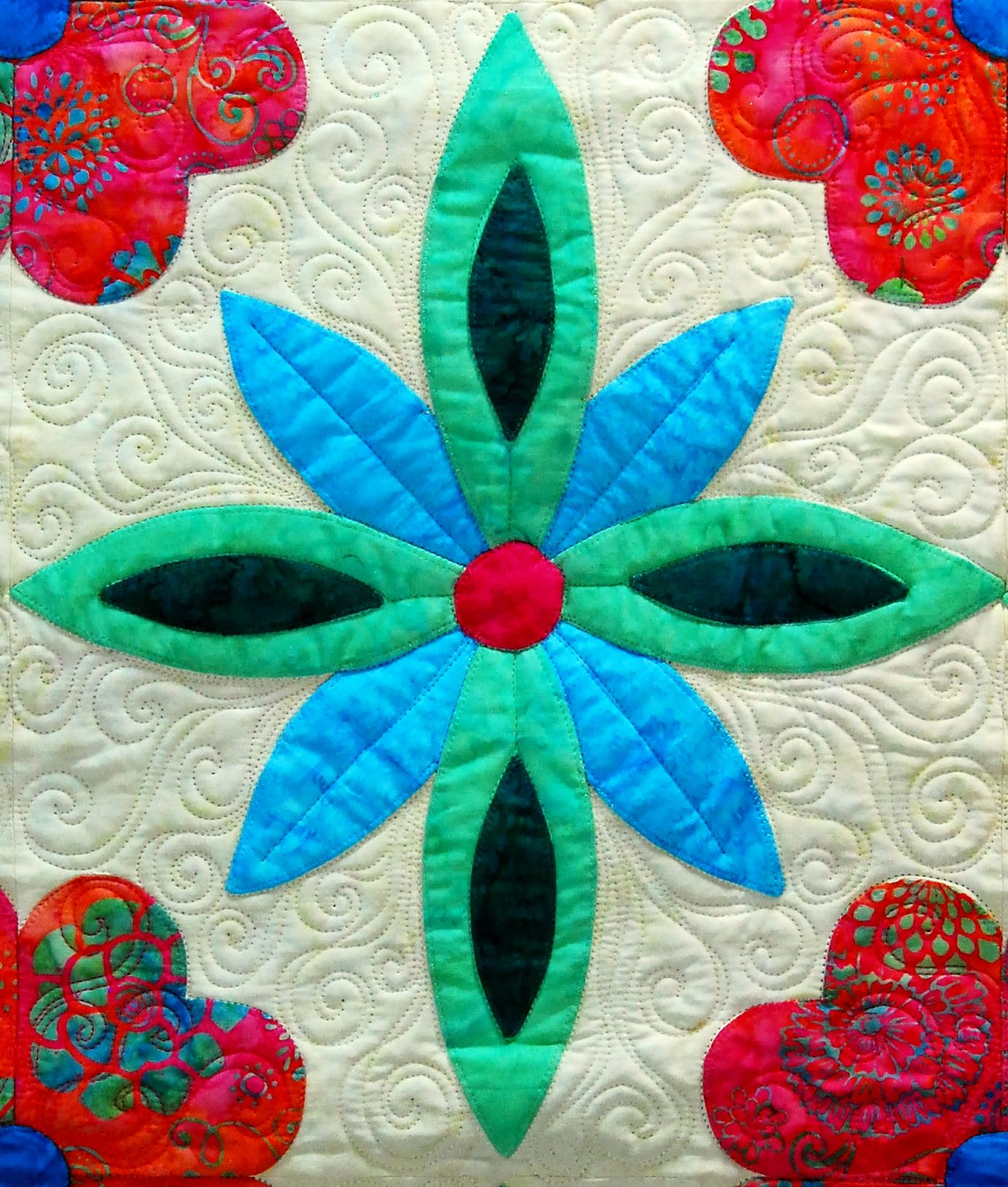 "Love the quilting by Laurie Vandergriff on this block from Jewel of the Sierra -- a quilt featured in ""Flip  Fuse"" Fun! The Tahoe Collection book from Happy Stash Quilts."
