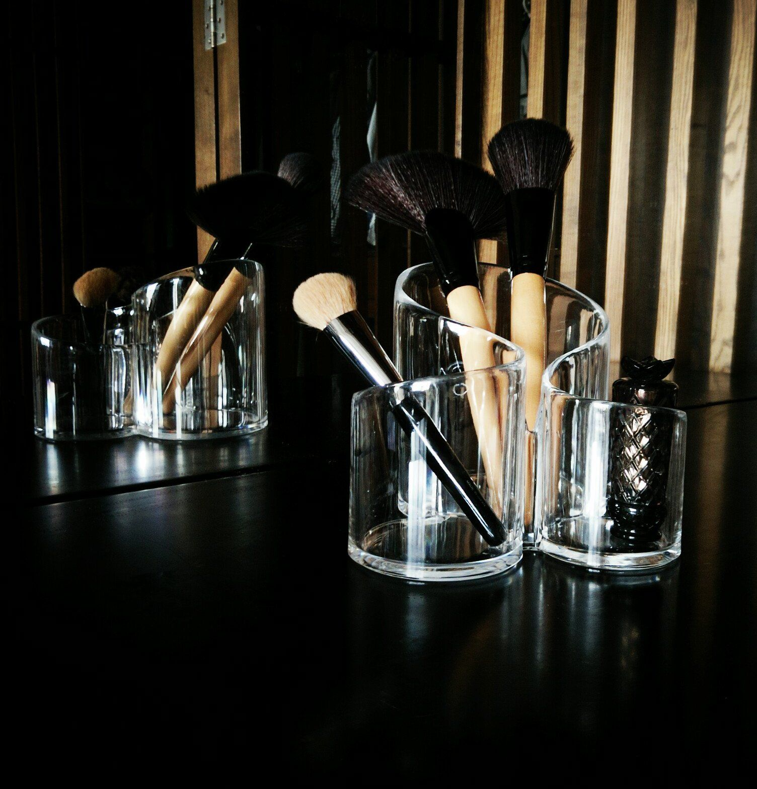 PuTwo Acrylic Makeup Brush Holder Desk Organizer Cosmetics