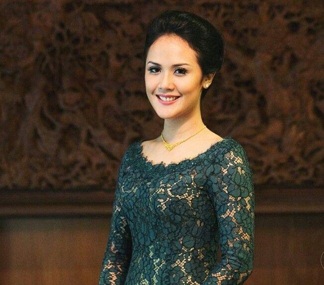 Hijau Tua Inspirasi Kebaya Vani Kebaya Indonesia Gaun Malam