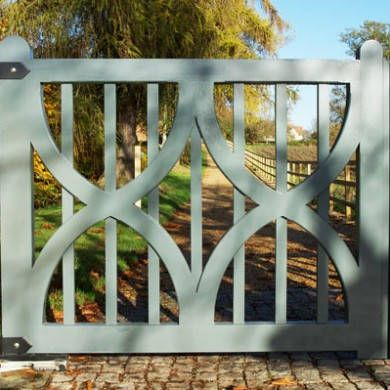 Attractive oak gate by Oak Leaf Gates