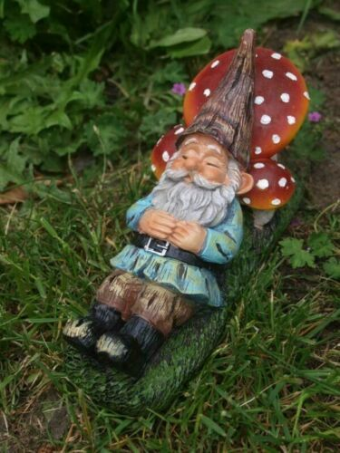 Gartenfigur Gartenzwerg Zwerg liegend Pilz Dekofigur Wichtel Neu | eBay
