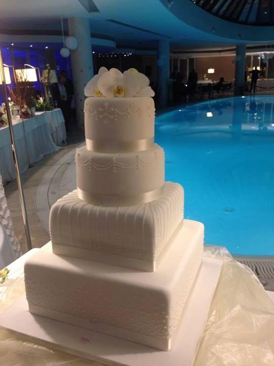 Elegantissima weddingcake per Matrimonio presso il BEST