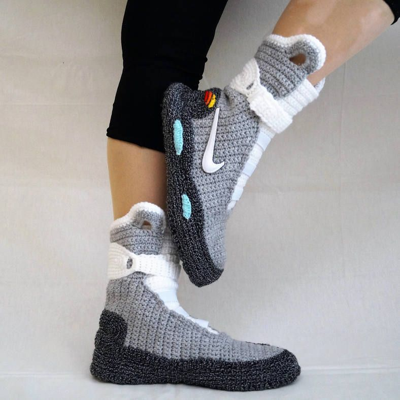 Details about Nike Air Mag Back To The Future Slippers