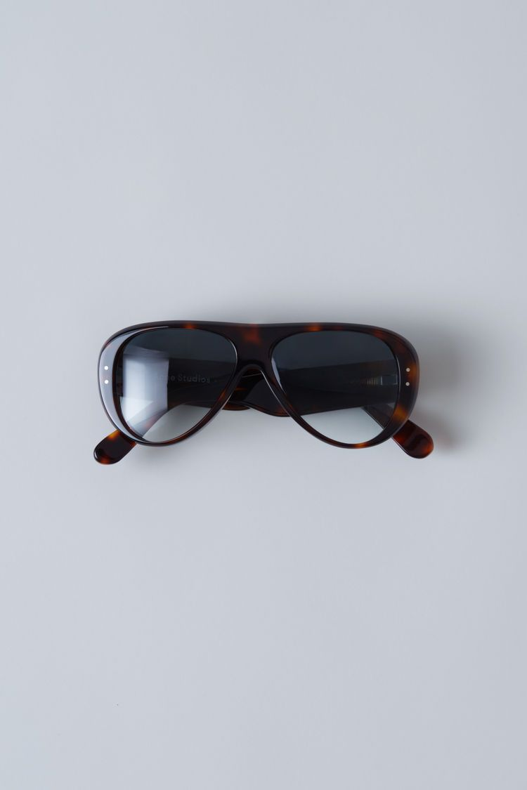Acne Studios Indy turtle black are thick acetate eyewear with contrasting  lense colours. 6918d4d59f1