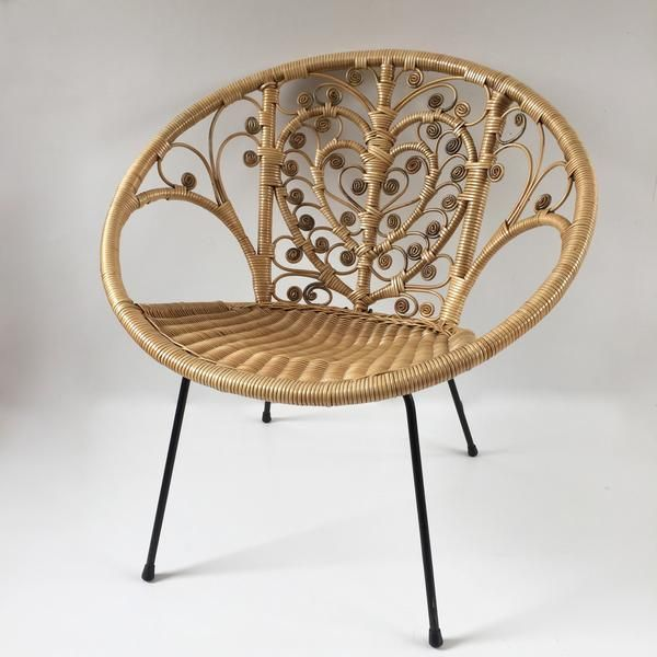 Vintage Boho Peacock Lovehearts Wicker Rattan Chair Fauteuil En
