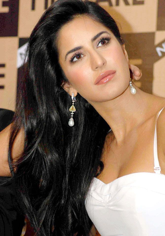 Katrina Kaif Latest Pics - Katrina Kaif New Pictures - Katrina Kaif -  Katrina Kaif Wiki - Actress Katrina Kaif New Photoshoot @actresspics.net.in