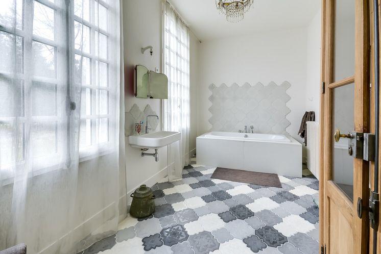 Mediterranes Badezimmer ~ Mediterran badezimmer by villa rosemont boffi marble ensuite