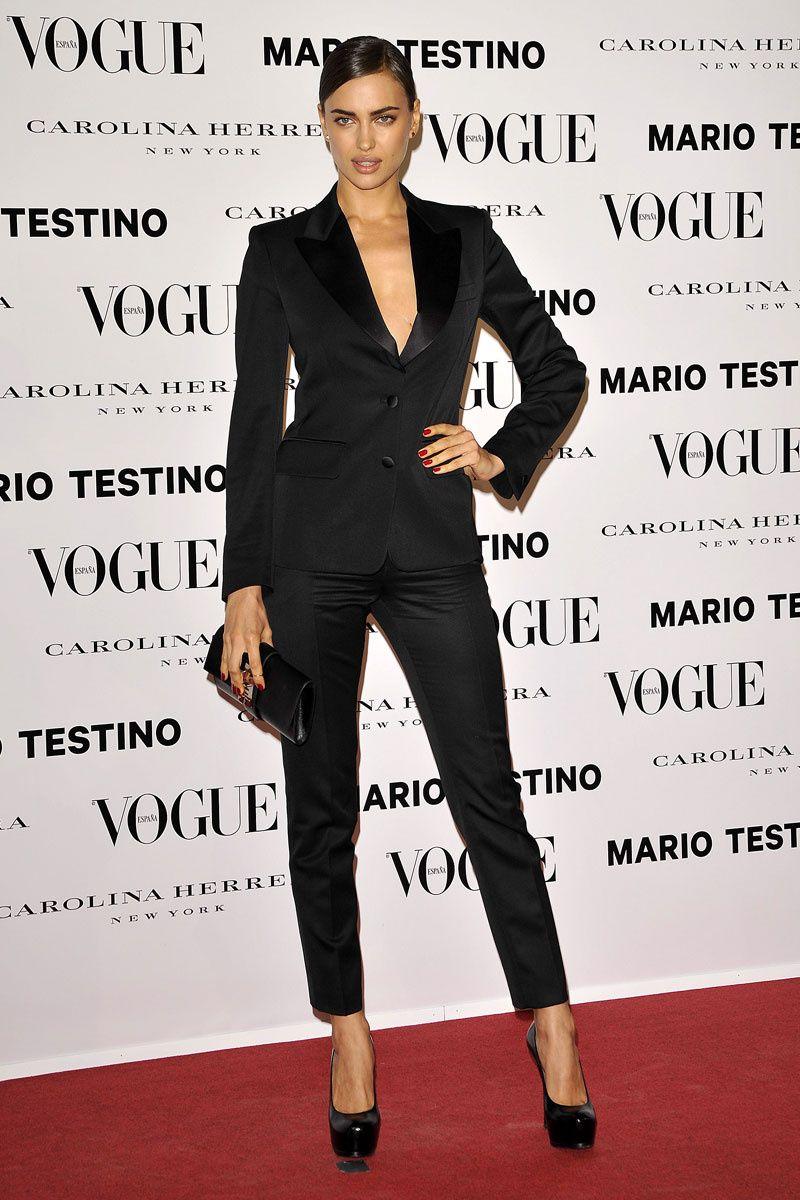 Todas las fotos de la alfombra roja de la fiesta Mario Testino y Vogue   Irina Shayk de Yves Saint Laurent 3cca4a0ad715