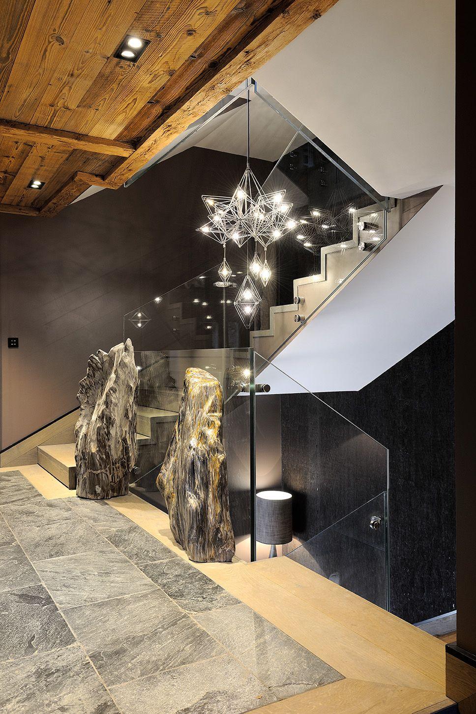 design stairs lighting cage d 39 escalier bois petrifier. Black Bedroom Furniture Sets. Home Design Ideas