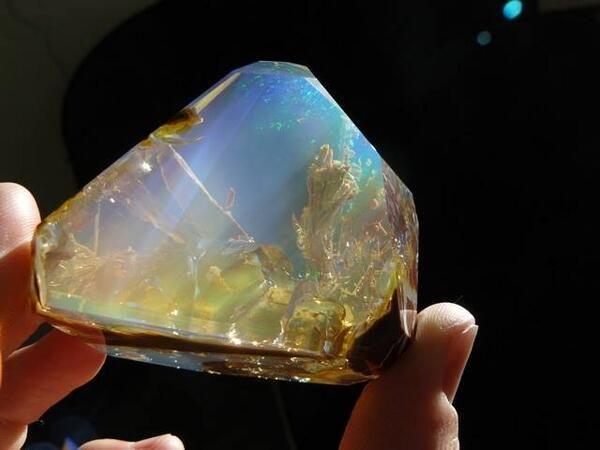 Ethiopian Welo Opal New gem found looks like the ocean in rock.
