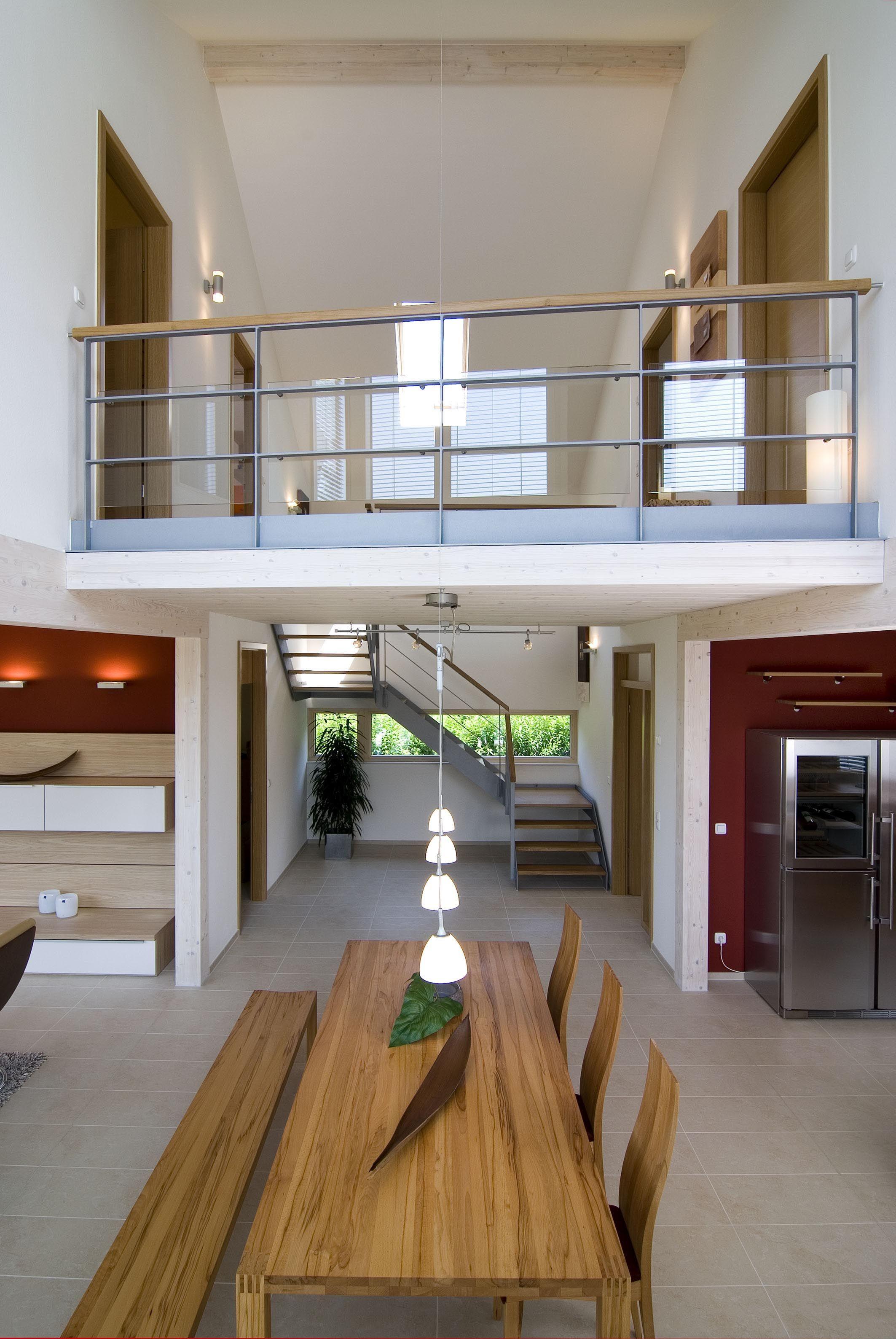 Modern Wohnen Mit Offenem Grundriss Galerie Luftraum Inneneinrichtung Ideen Fertighaus Design 168 Von Frammelsberger Holzhaus Fertighauser Haus Okal Haus