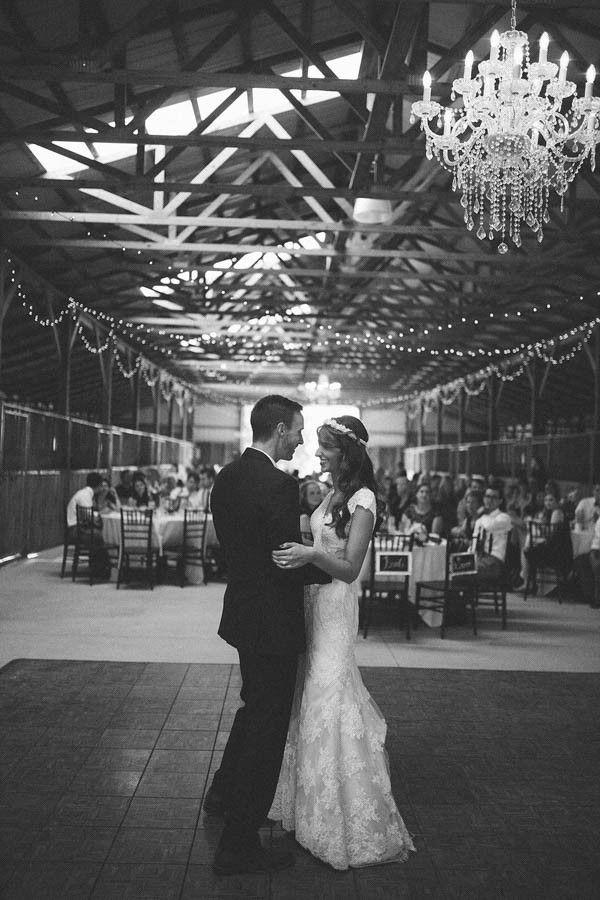 Rustic Kentucky Wedding At The Bluegr Barn