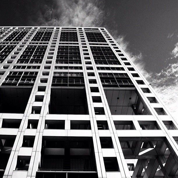  Straight Lines   #instagramer #webstagram #iphone4s #photooftheday #gmy #instagood #instagramhub #Japan #all_shots #monochrome #mono #bw #bwlove #blackandwhite #lines #monoart #building #lookup #buildingstyles_gf - @ka2hide- #webstagram