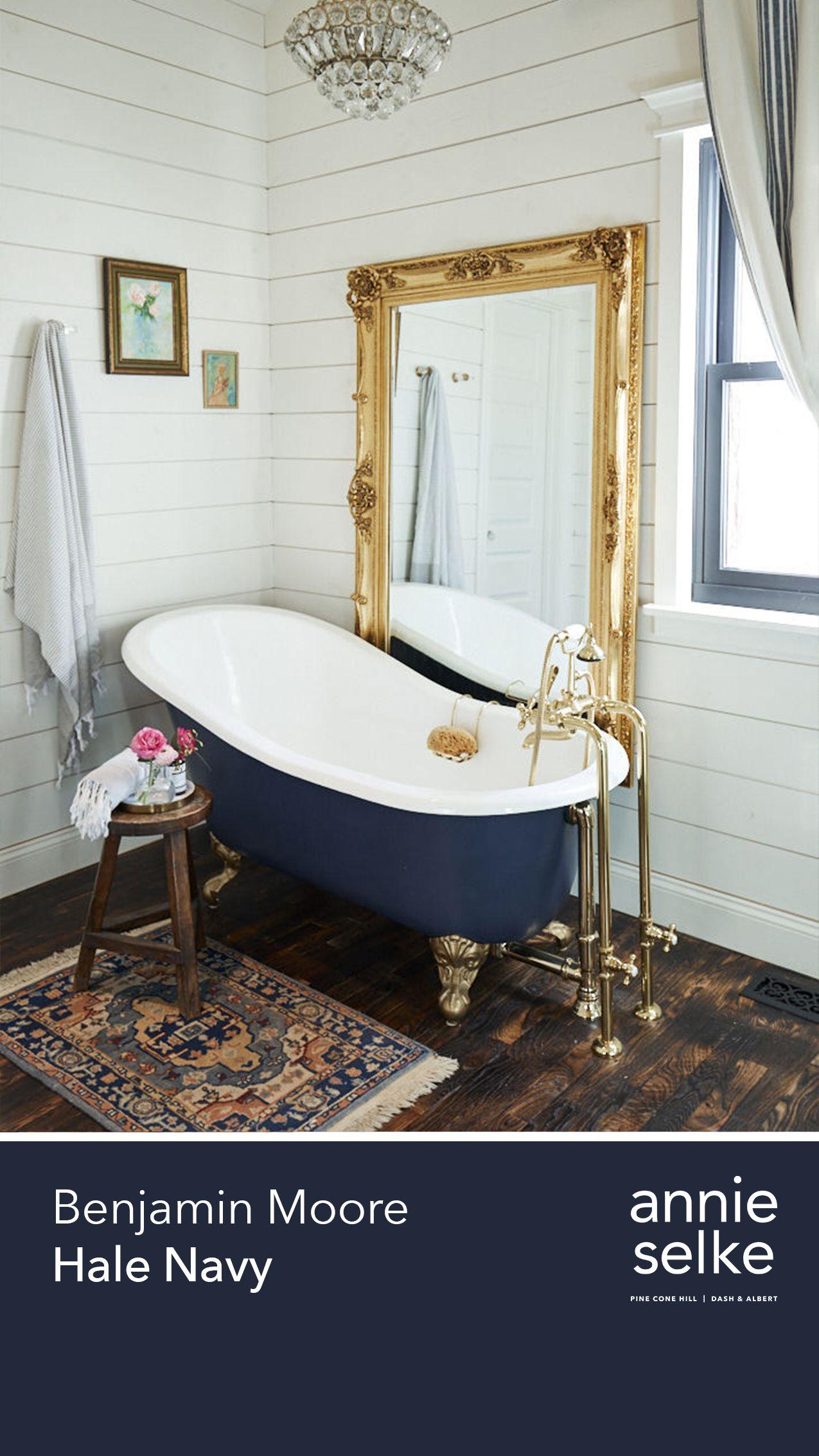 Craigslist Clawfoot Tub : craigslist, clawfoot, Inviting, Paint, Colors, Fresh, American, Style, Annie, Selke, Black, Clawfoot, Colors,, Bathroom, Decorating