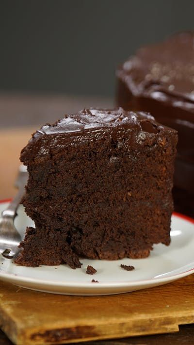 Bruce Bogtrotter Chocolate Cake ~ Henry's Movie Mu