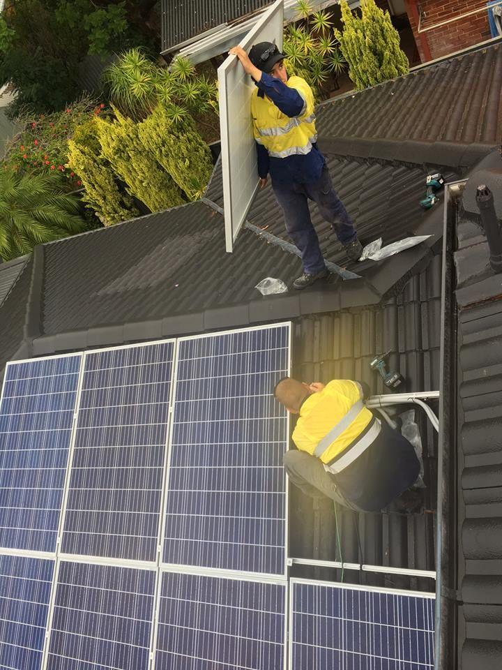 Solar WA maintenance and installation Crew Solar panels