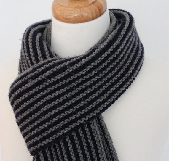 Men\'s Scarf KNITTING PATTERN- The Classic Man in PDF | Tejido