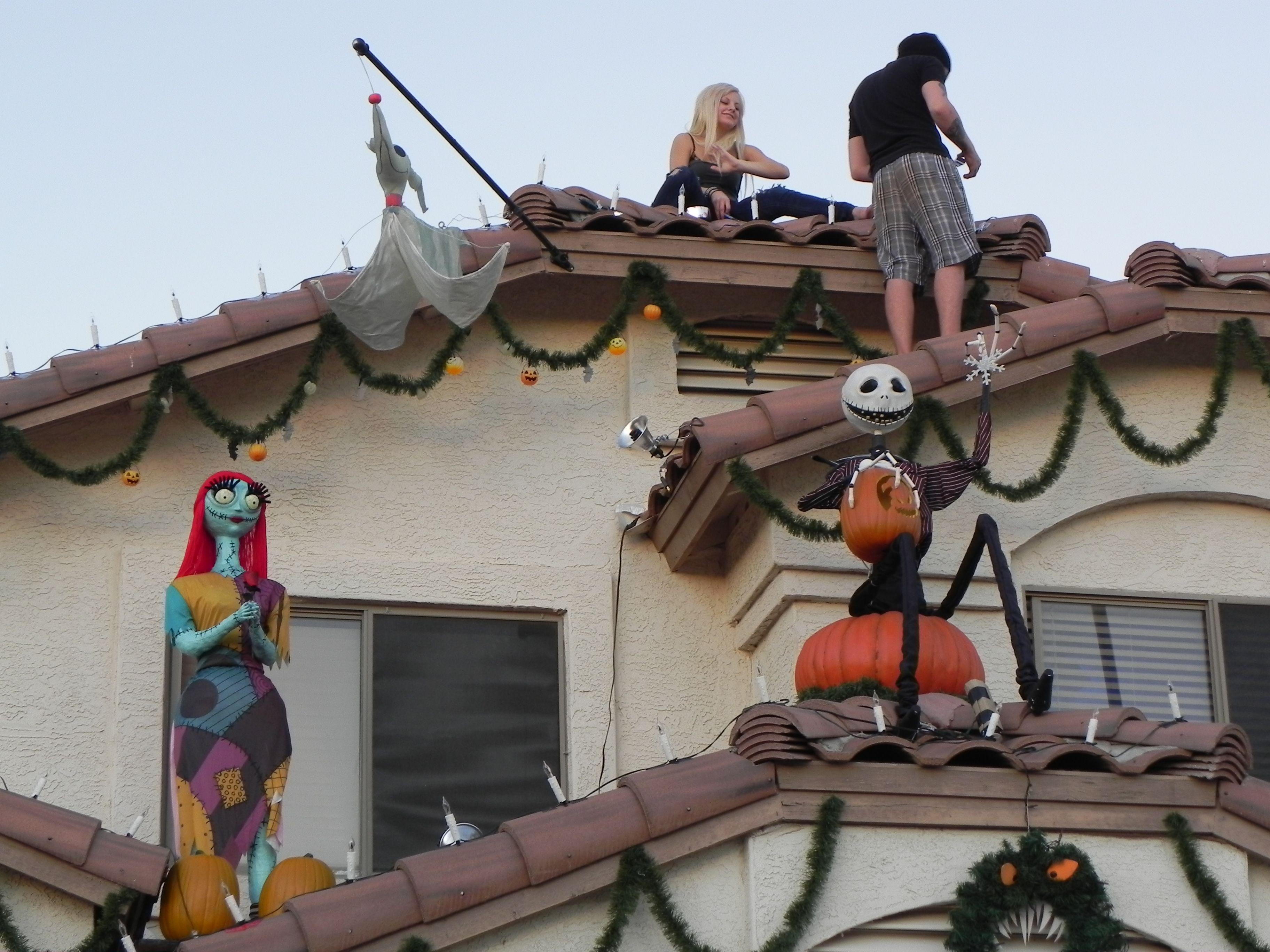 LOVE this house decor Holiday Decor and Treats Pinterest - halloween house decoration ideas