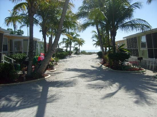 hotels cottage hotel and review pool island sanibel on motel shalimar oyster com cottages