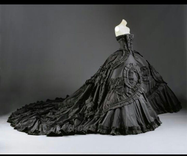 black Dior wedding gown...no words. | Christian Dior | Pinterest ...