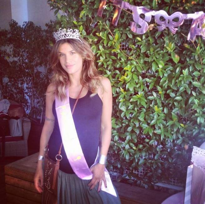 MILANO Il conto alla rovescia per il tanto atteso parto è iniziato e la showgirl Elisabetta Canalis ha organizzato una festa pre-parto,