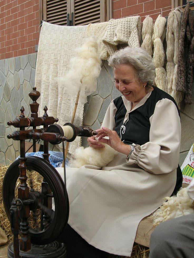 Antichi mestieri - .... e la nonna filava