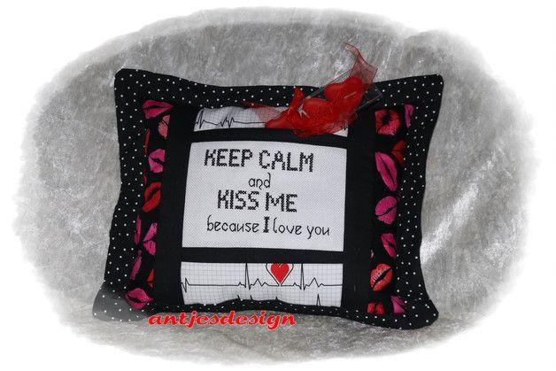 geschenk liebe valentinstag keep calm kiss me einrichten und wohnen valentinstag. Black Bedroom Furniture Sets. Home Design Ideas