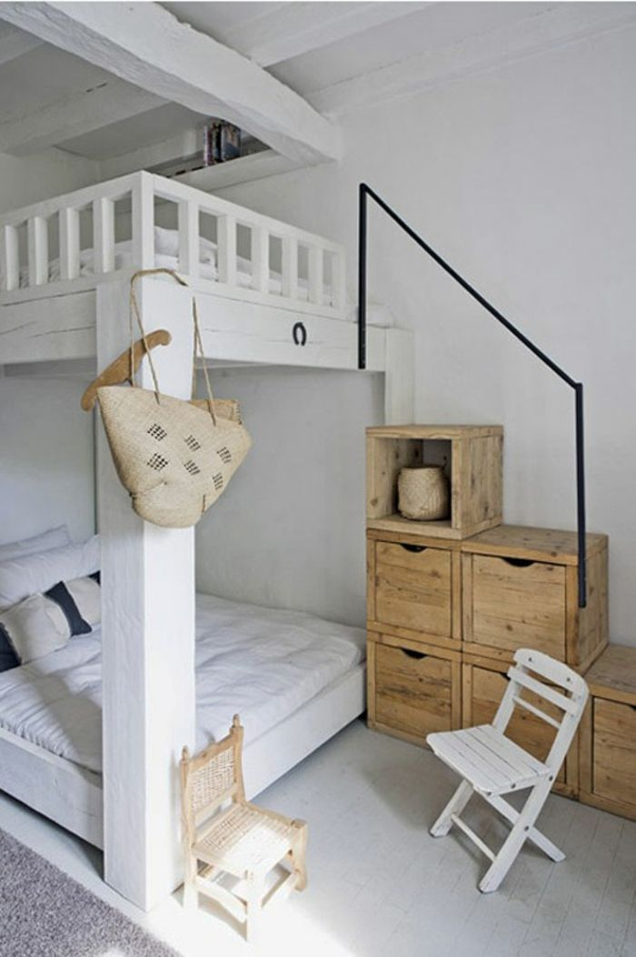 kleines schlafzimmer einrichten etagenbett holztreppe stauraum