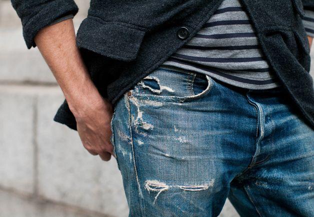 die besten 25 zerrissene jeans f r m nner ideen auf pinterest zerrissenen jeans herrenmode. Black Bedroom Furniture Sets. Home Design Ideas