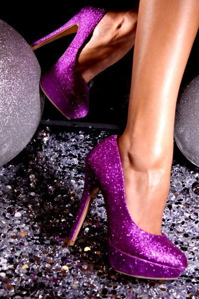 aghhhh PURPLE AND SPARKLY!!!!!!  My two favourite things in life!!!