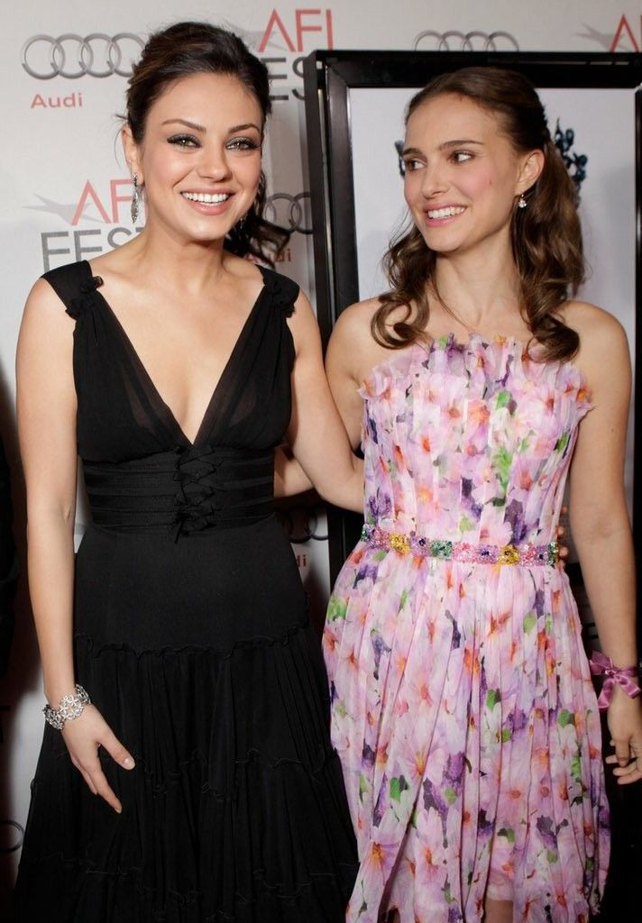 Mila  Kunis  & Natalie  Portman  ♡